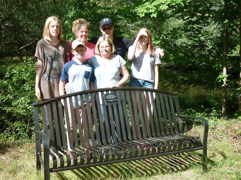 Lynn-Valley-trail-memorial-bench-3